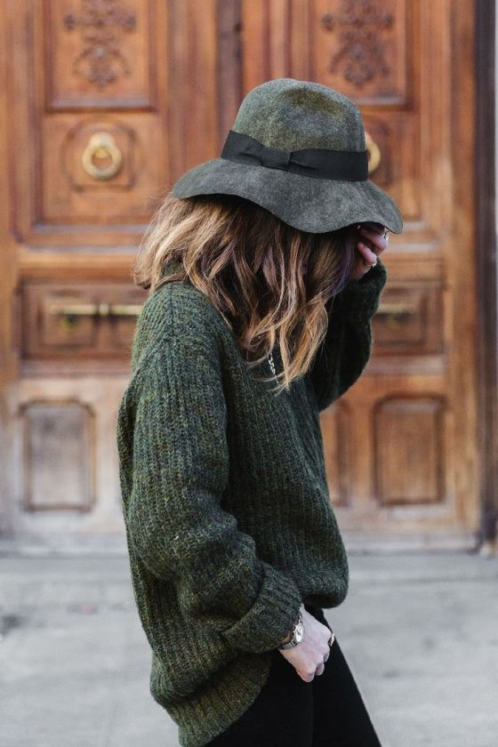 kaki-hat-jumper-collage-vintage