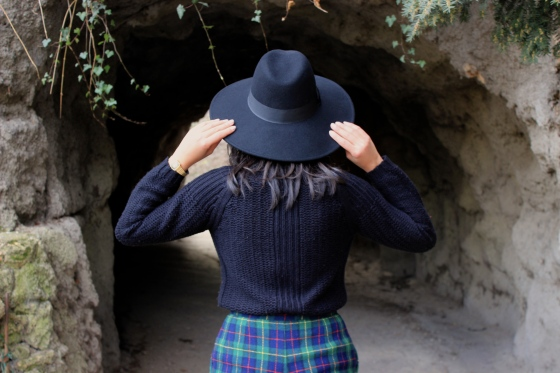 Soleil d'hiver_chapeau-Zara-col_roule-Pull-and-Bear_Short_Tartan_6