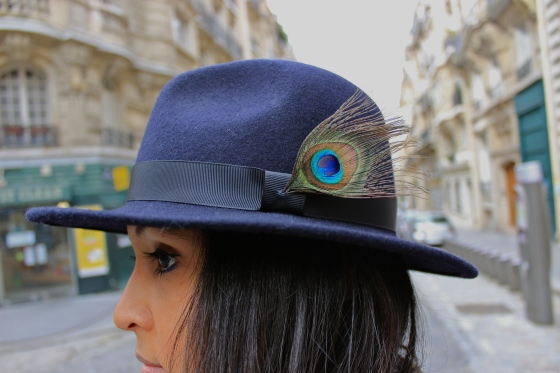 Like a sir-look-DIY peacock hat
