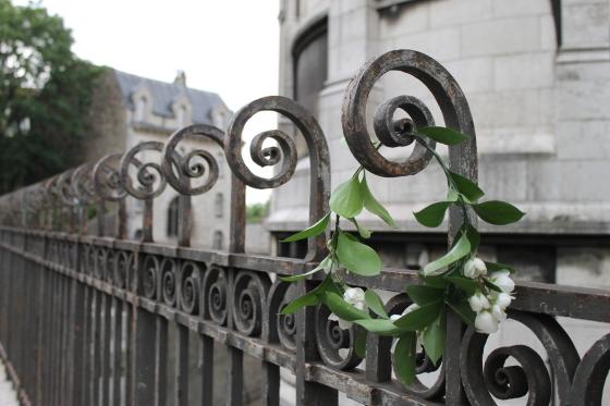 Couronne-de-fleurs-montmartre