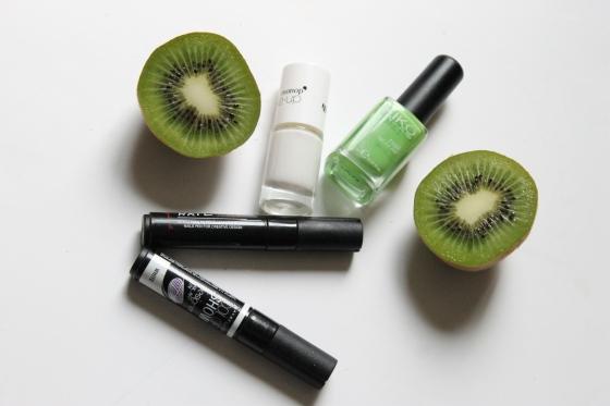 tuto-nail-art-kiwi-vernis-kiko-acid-green-vernis-blanc-monoprix-nail-art-pen